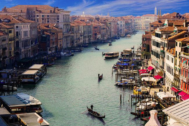 ВВенеции впервый раз ввели меры порегулированию потока туристов