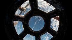 Космический корабль Маска с Чужим на борту пристыковался к МКС без проблем