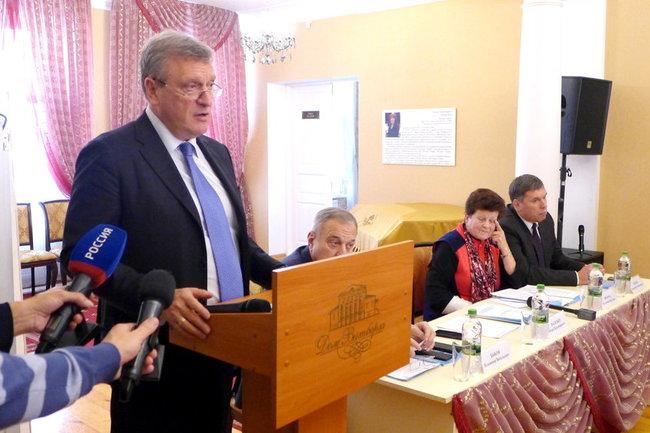 Игорь Васильев  открыл  первое пленарное заседание Общественной палаты Кировской области