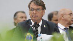 У президента Бразилии, отрицавшего COVID-19, подтвердился коронавирус