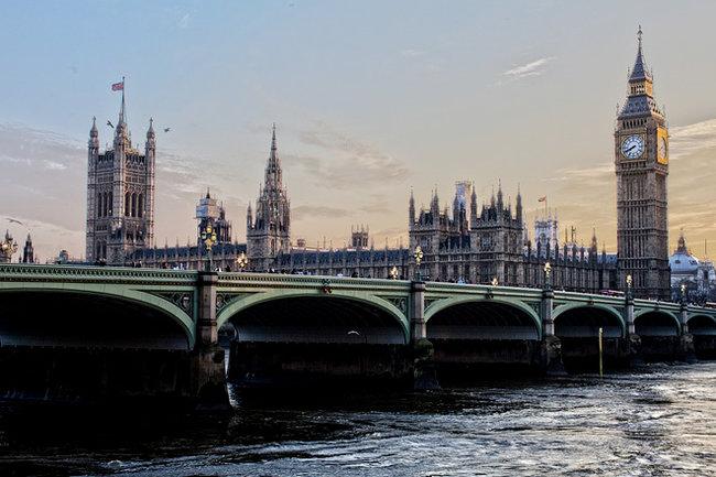 Высланные дипломаты ссемьями идомашними животными покинули посольство РФ вВеликобритании