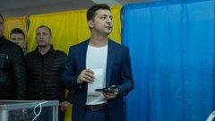 Истерика в последней фазе: Порошенко хочет снять Зеленского с выборов через суд