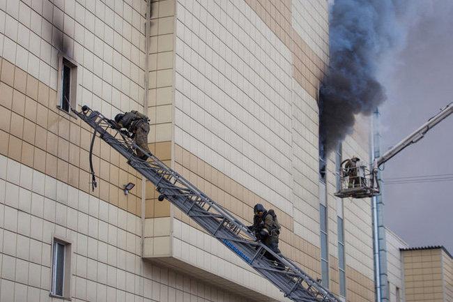 Генпрокуратура проверит жалобы набездействие спасателей впожаре вкемеровскомТЦ