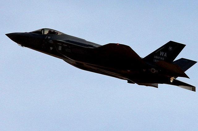 Американский самолет вДень Победы провел разведку вблизи Крыма