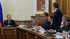 Медведев представил вице-премьера Мутко: лет ми спик фром май харт