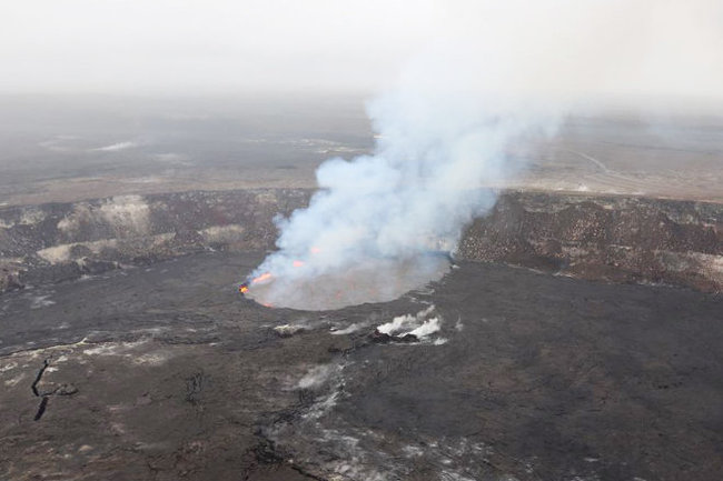 Самый высокий уровень тревоги объявлен на Гавайях из-за вулкана