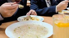 Депутаты проверили качество бесплатного питания в школах