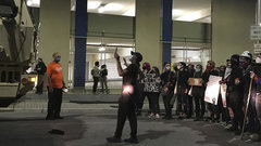 CNN выяснило, кто превратил мирный протест в США в побоище