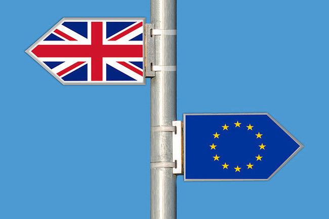 Европа пляшет под британскую дудку