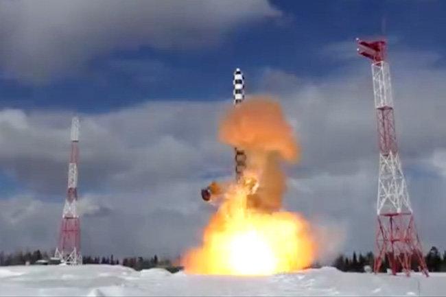 Минобороны РФ опубликовало видео испытания ракеты «Сармат»