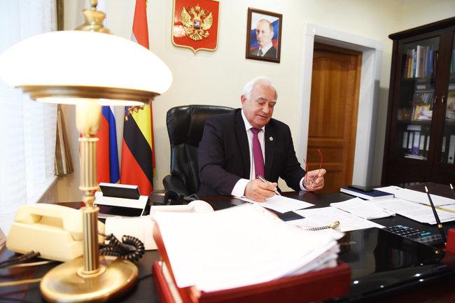 Председатель Курской областной Думы Николай Жеребилов