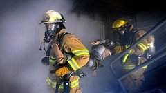 Пожарного из Тюмени наградили медалью «За отвагу»