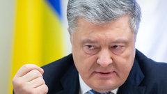 Нужно признать международным преступником: крымский депутат о Порошенко