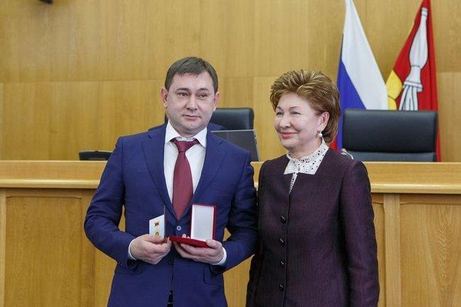 Председателю Воронежской областной думы вручили Почетный знак Совфеда «За заслуги в развитии парламентаризма»
