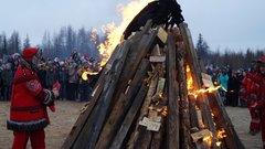В Салехарде вновь провели праздник ледохода «Первая волна»
