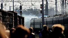 В Волгоградской области из-за прорыва дамбы подтопило 15 км железной дороги