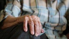 Пенсионеров научат, как не попасть в кредитное рабство