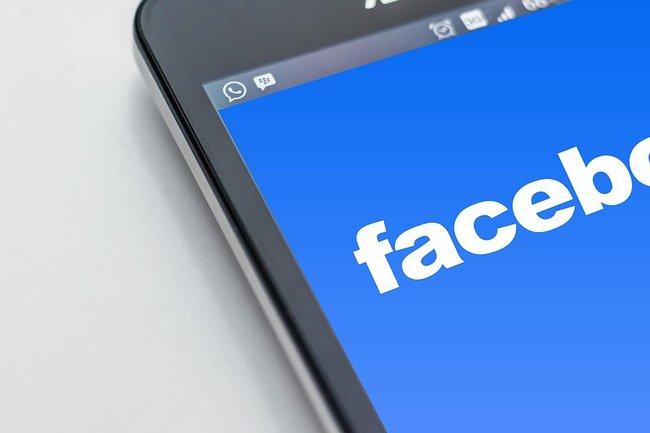 Фейсбук  и социальная сеть Instagram  сегодня работают вевропейских странах  сперебоями