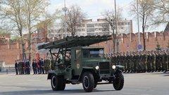 «Катюша» возглавила парад военной техники вТуле