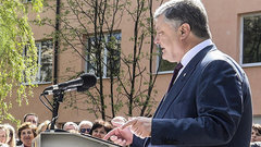 Порошенко пообещал запустить от Львова евроколею