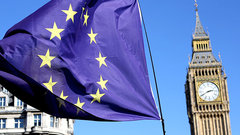 «Надорвалась наBrexit»: Косачев оботставке Мэй