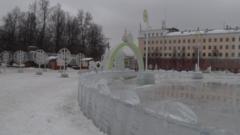 Новогодний городок демонтируют в Кирове
