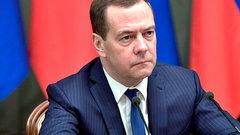 Без паники не получилось: Медведев поручил Козаку разобраться со скачком цен на бензин