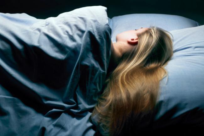 Девушки спящие на работе пантеон финанс одесса