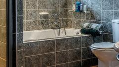 Мокрое дело: 3 простых способа отлично сэкономить при ремонте в ванной