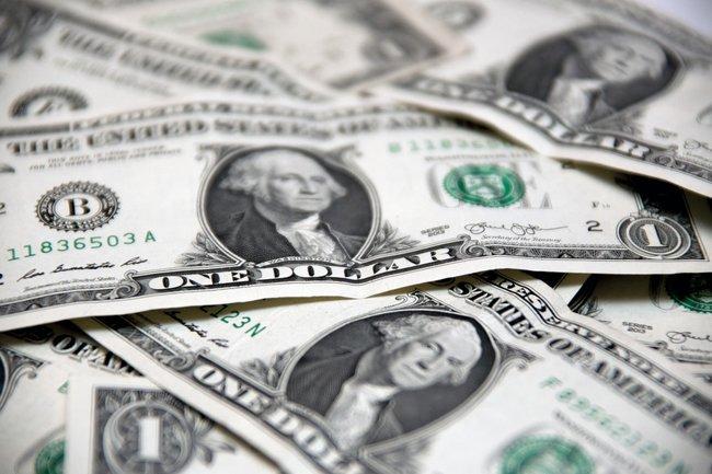 Россияне вывозят капиталы из страны