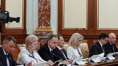 Правительство признало, что прорыва в экономике не будет - Хачатуров