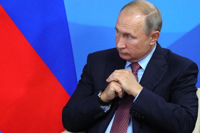 Владимир Путин поручил разобраться сотменой концертов рэп-исполнителей