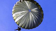 Молодёжь Ноябрьска обучат прыжкам с парашютом