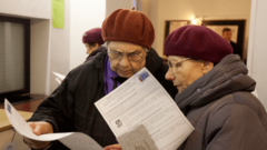 Российские пенсионеры поделятся деньгами с иностранцами