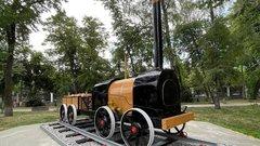 В центре Воронежа установили копию паровоза Черепановых