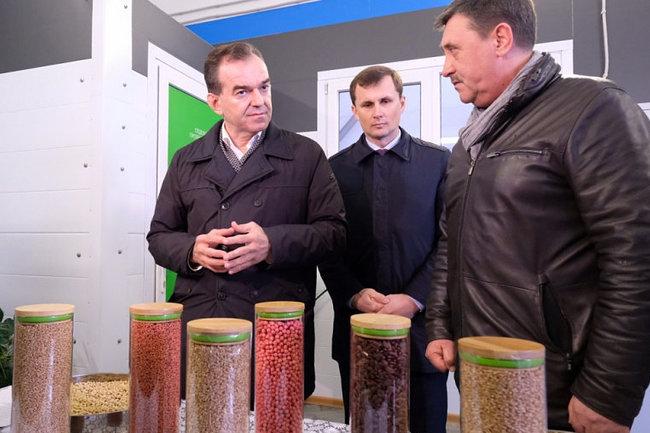 Глава Кубани посетил центр подготовки семян в Тихорецком районе