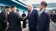 Ядерное разоружение: зачем была нужна неожиданная встреча Кима и Трампа