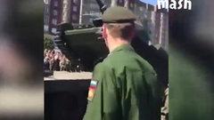 Парад в честь Курской битвы завершился перевернутым танком (ВИДЕО)