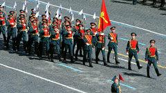Украинского депутата освистали заидею посетить День Победы вМоскве