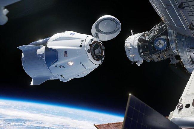 Роскосмос раскритиковал корабль Илона Маска