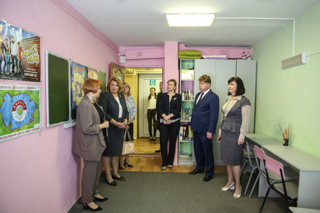 Депутаты Воронежской облдумы посетили центр социальной помощи семье и детям «Буревестник»