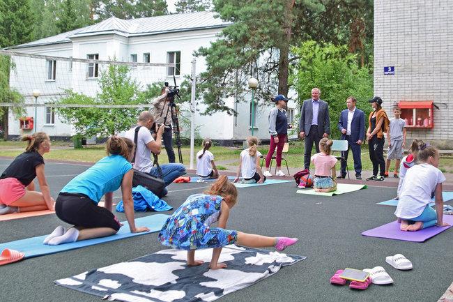 Председатель Воронежской облдумы посетил детский лагерь «Восход»