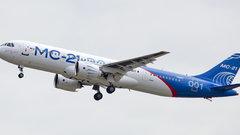 Мантуров рассказал о сроках презентации российского самолета МС-21