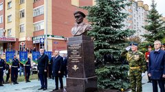 В Тюмени открыт мемориал создателю войск ВДВ генералу Маргелову