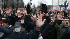 Политолог объяснил, зачем власть представляет январские протесты как конфликт поколений