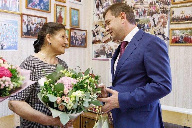 Народная артистка России получила Почетную грамоту Воронежской областной Думы за заслуги в области культуры и искусства.