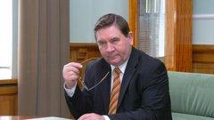 «Уступаю место молодым»: губернатор Курской области подал в отставку