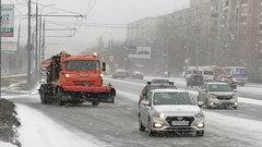 В Оренбурге улицы очищают 20 специальных машин