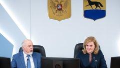 После заседания думы Сургута по традиции депутаты провели брифинг