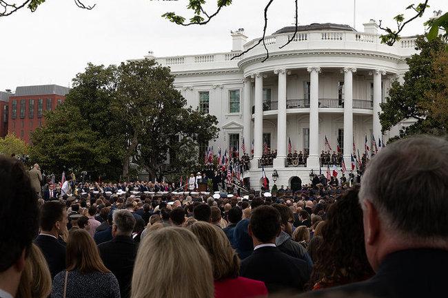 Белый дом: Трамп «очень открыт» для встречи сПутиным